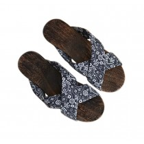 Womens Wooden Clogs Casual style Sandals Breathable Indoor and Outdoor Black and White
