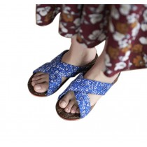Womens Wooden Clogs Casual style Sandals Breathable Indoor and Outdoor Blue and White